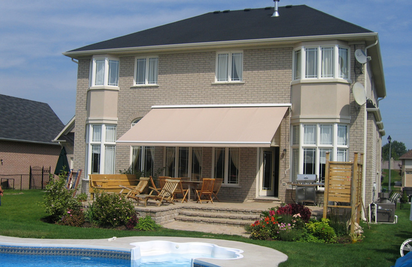 retractable awning w valance